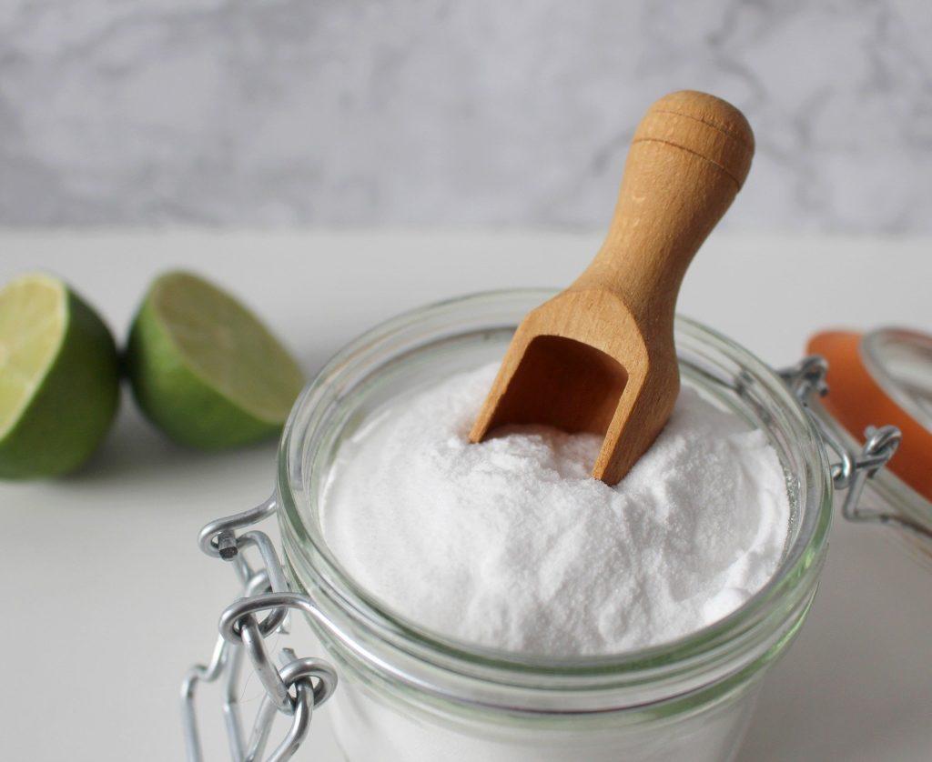 Natron Limonen DIY Hausmittel für ökologisches Putzen